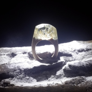 MYSTIC WOOD RING ICEBERG